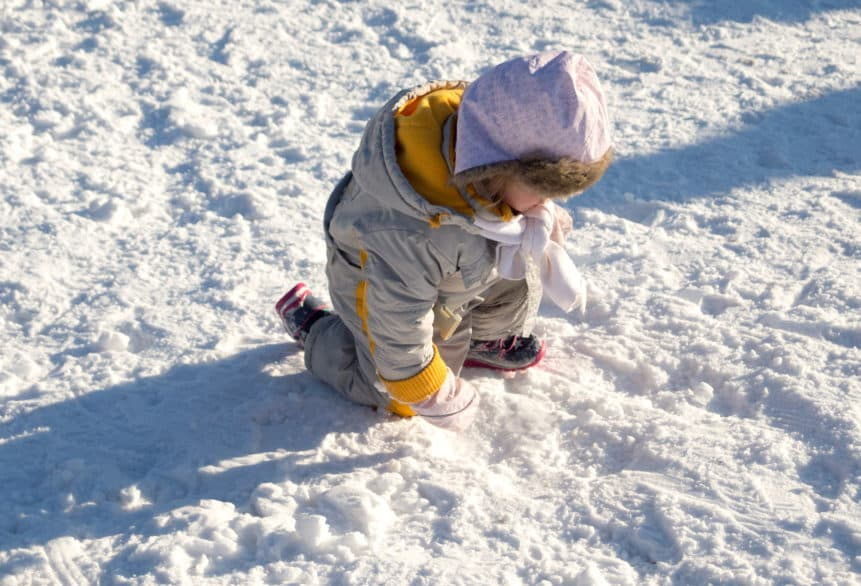 world snow day child in snow